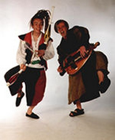 Hurdy gurdy and hammer dulcimer medieval musical group