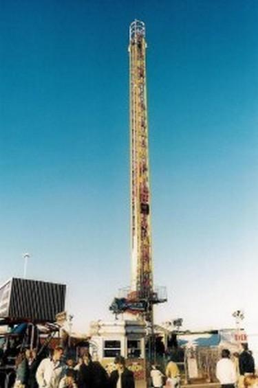 Fun fair thrill ride