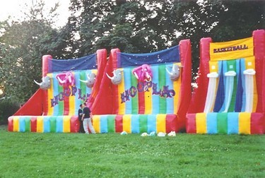 Inflatable side stalls