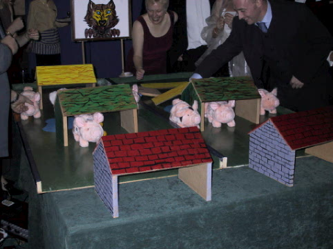 Complete pig racing package, including race commentator and PA system