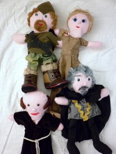 Glove puppet show